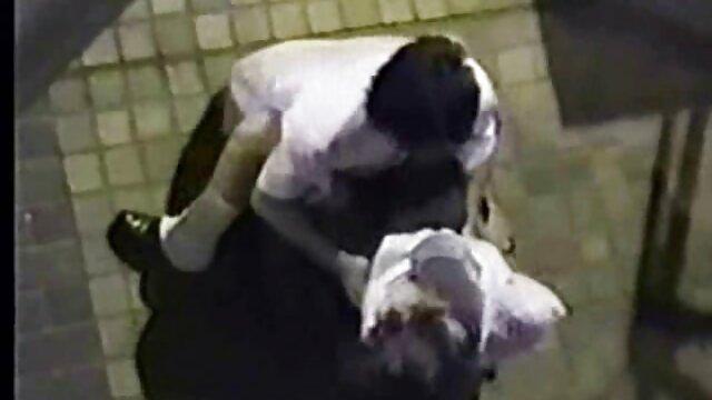 La passagère a invité le chauffeur de taxi chez elle sex chinois video pour une bonne baise